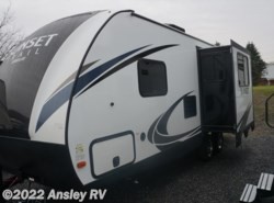 New 2018  CrossRoads Sunset Trail Super Lite SS222RB by CrossRoads from Ansley RV in Duncansville, PA