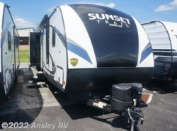 New 2018  CrossRoads Sunset Trail Super Lite SS331BH by CrossRoads from Ansley RV in Duncansville, PA