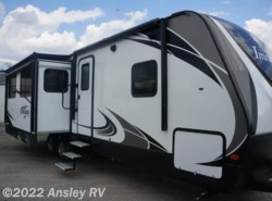Used 2017  Grand Design Imagine 2950RL by Grand Design from Ansley RV in Duncansville, PA