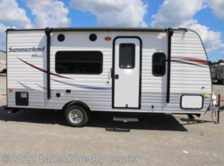 Used 2015  Keystone  Summerland 1700FQ by Keystone from Lakeshore RV Center in Muskegon, MI