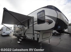 New 2018  Keystone Cougar Half Ton 29RDB by Keystone from Lakeshore RV Center in Muskegon, MI