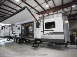 New 2018  Forest River Wildwood DLX 402QBQ by Forest River from Lakeshore RV Center in Muskegon, MI