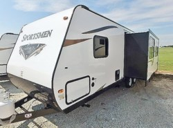 New 2017  K-Z Sportsmen SS 281RLSS by K-Z from McClain's Longhorn RV in Sanger, TX