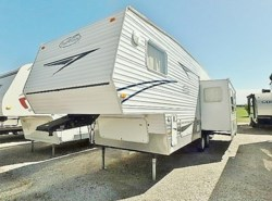 Used 2005  R-Vision  TRAIL LITE 3529RL by R-Vision from McClain's Longhorn RV in Sanger, TX