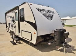 New 2018  Winnebago Micro Minnie 2106DS by Winnebago from McClain's Longhorn RV in Sanger, TX