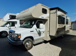 Used 2016  Winnebago Minnie Winnie 27Q by Winnebago from McClain's RV Fort Worth in Fort Worth, TX