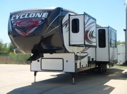 Used 2014  Heartland RV Cyclone 4100HD by Heartland RV from McClain's RV Fort Worth in Fort Worth, TX
