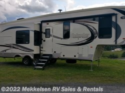 New 2018  Palomino Columbus Compass 298RLC by Palomino from Mekkelsen RV Sales & Rentals in East Montpelier, VT