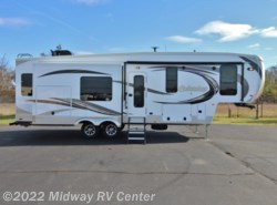 New 2017  Palomino Columbus  298RL by Palomino from Midway RV Center in Grand Rapids, MI