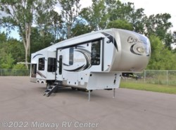 New 2018  Palomino Columbus  298RL by Palomino from Midway RV Center in Grand Rapids, MI