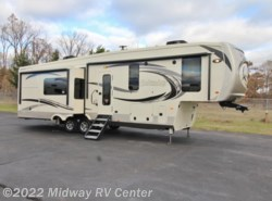 New 2018  Palomino Columbus  1492 366RL by Palomino from Midway RV Center in Grand Rapids, MI