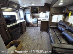 New 2018  Cruiser RV Radiance Ultra-Lite 25RK RV for Sale @ MHSRV W/King Bed by Cruiser RV from Motor Home Specialist in Alvarado, TX