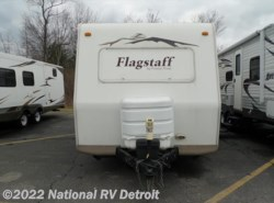Used 2006  Forest River Flagstaff Super Lite 26BH by Forest River from National RV Detroit in Belleville, MI