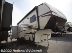 New 2018  CrossRoads Cruiser Aire 30MD by CrossRoads from National RV Detroit in Belleville, MI