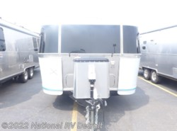 New 2019 Airstream  Airstream Flying Cloud 25FB TWIN available in Belleville, Michigan