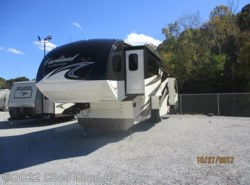Used 2015  Forest River Cardinal 3800FL by Forest River from Choo Choo RV in Chattanooga, TN