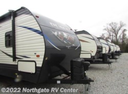 New 2018  Palomino Puma 32RBFQ by Palomino from Northgate RV Center in Louisville, TN