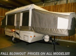 Used 2006  Palomino Yearling 4120 by Palomino from Paul's Trailer & RV Center in Greenleaf, WI
