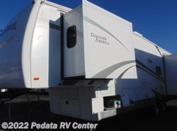 Used 2010  Nu-Wa Hitchhiker Discover America 327LK by Nu-Wa from Pedata RV Center in Tucson, AZ