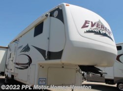 Used 2006  Keystone Everest 364Q by Keystone from PPL Motor Homes in Houston, TX