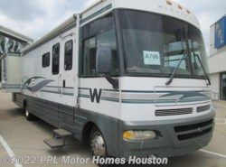 Used 2001  Winnebago Chieftain 36W by Winnebago from PPL Motor Homes in Houston, TX