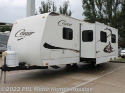 Used 2009 Keystone Cougar 29BHS available in Houston, Texas