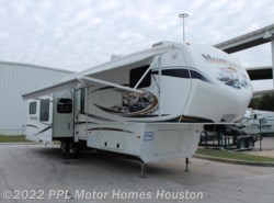 Used 2011  Keystone Montana Hickory 3400RL by Keystone from PPL Motor Homes in Houston, TX