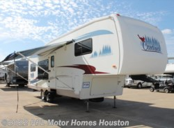 Used 2005  Forest River Cardinal 29LE by Forest River from PPL Motor Homes in Houston, TX