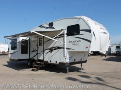 Used 2014  Rockwood  Ultra Lite 8282 WD by Rockwood from PPL Motor Homes in Houston, TX