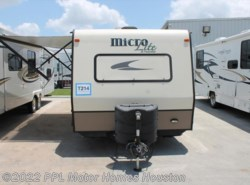Used 2015  Forest River Flagstaff Micro Lite 21FBRS by Forest River from PPL Motor Homes in Houston, TX
