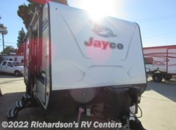 New 2018  Jayco Jay Feather 23BHM by Jayco from Richardson's RV Centers in Riverside, CA