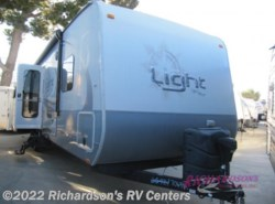Used 2015  Highland Ridge Light LT308BHS by Highland Ridge from Richardson's RV Centers in Menifee, CA