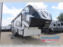 Used 2016  Dutchmen Voltage V3200 by Dutchmen from ExploreUSA RV Supercenter - MESQUITE, TX in Mesquite, TX