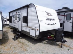 New 2017  Jayco Jay Flight SLX 212QBW by Jayco from Wholesale RV Club in Ohio