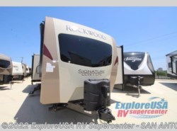 New 2018  Forest River Rockwood Signature Ultra Lite 8328BS by Forest River from ExploreUSA RV Supercenter - SAN ANTONIO, TX in San Antonio, TX