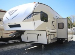 New 2018  Keystone Hideout 308BHDS by Keystone from COLUMBUS CAMPER & MARINE CENTER in Columbus, GA