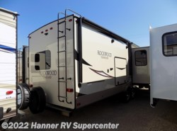 New 2018  Forest River Rockwood Signature Ultra Lite 8324BS by Forest River from Hanner RV Supercenter in Baird, TX