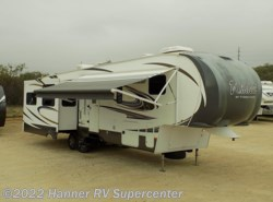 Used 2014  Forest River Wildcat 327CK by Forest River from Hanner RV Supercenter in Baird, TX