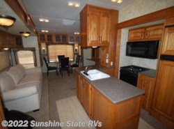 Used 2010  Coachmen Brookstone 367RL by Coachmen from Sunshine State RVs in Gainesville, FL