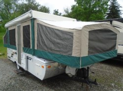 Used 2012  Starcraft Comet 1224 by Starcraft from Schreck RV Center in Apollo, PA