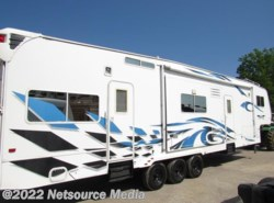 Used 2008  Weekend Warrior  4005FLT by Weekend Warrior from Karolina Koaches Inc in Piedmont, SC