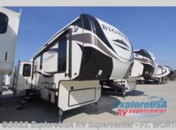 New 2017  Heartland RV Bighorn Traveler 39MB by Heartland RV from ExploreUSA RV Supercenter - FT. WORTH, TX in Ft. Worth, TX