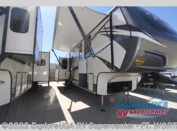 New 2018  CrossRoads Volante 3751BH by CrossRoads from ExploreUSA RV Supercenter - FT. WORTH, TX in Ft. Worth, TX