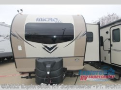 New 2018  Forest River Flagstaff Micro Lite 25FKS by Forest River from ExploreUSA RV Supercenter - FT. WORTH, TX in Ft. Worth, TX