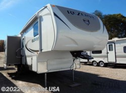 Used 2015  CrossRoads Rezerve 28RL by CrossRoads from RV Outlet USA in Ringgold, VA