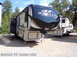 New 2018  Keystone Montana 310RE by Keystone from RV Outlet USA in Ringgold, VA