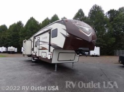 Used 2015  Keystone Laredo 293SBH by Keystone from RV Outlet USA in Ringgold, VA