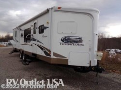 Used 2012  Coachmen Freedom Express 302FKV by Coachmen from RV Outlet USA in Ringgold, VA