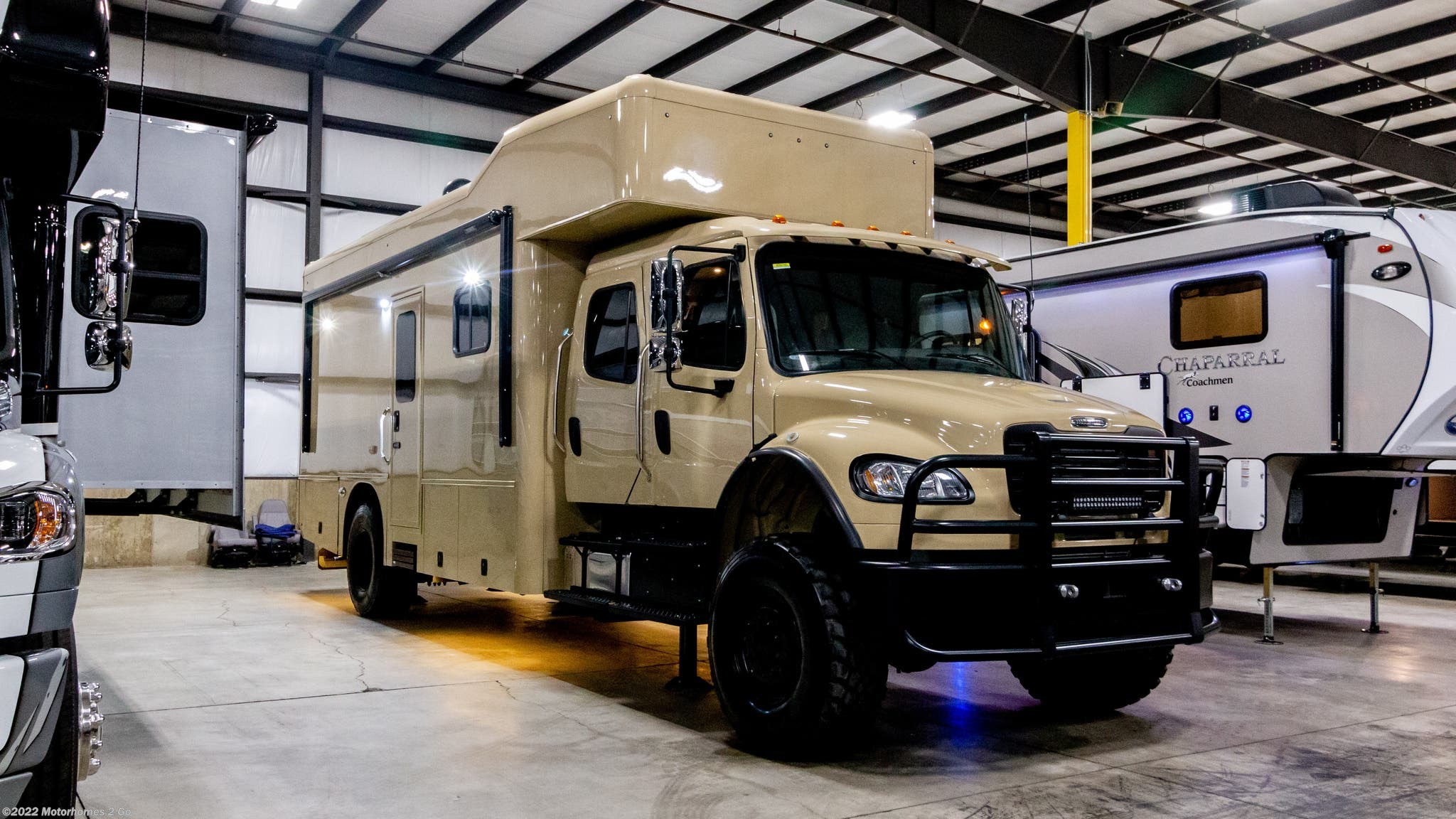 2018 Show Hauler RV Custom 20-FL Freightliner M2 106 for Sale in Grand  Rapids, MI 49548 | 36746