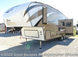 Used 2015  Keystone Cougar XLite 29RET by Keystone from Great Escapes RV Center in Gassville, AR